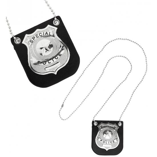 Zilveren politie badge aan ketting