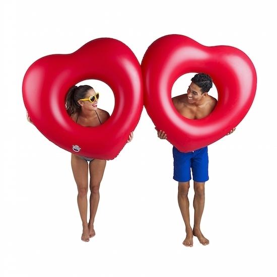 Waterspeelgoed xxl rood hart zwemband zwemring 211 cm