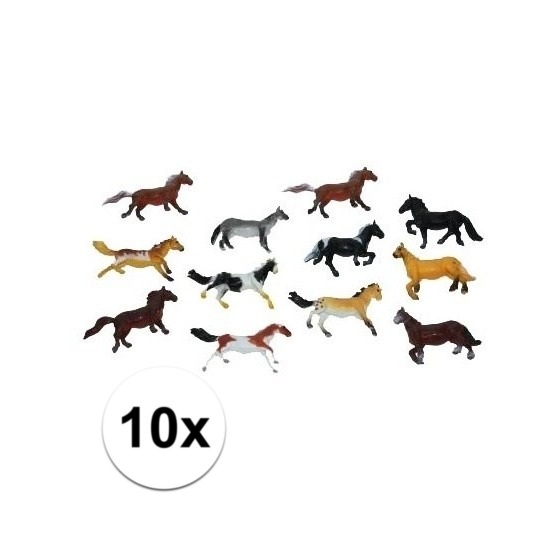 Paardjes set van 10x plastic speelgoed paarden van 6 cm